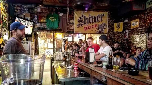 Cheap drinks in Nashville - The Nashville Bar BIke
